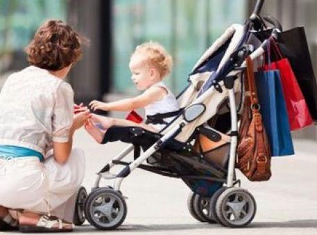 Як погуляти з малюком на вулиці з користю
