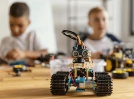 Конструювання роботів: коли починати дитині?