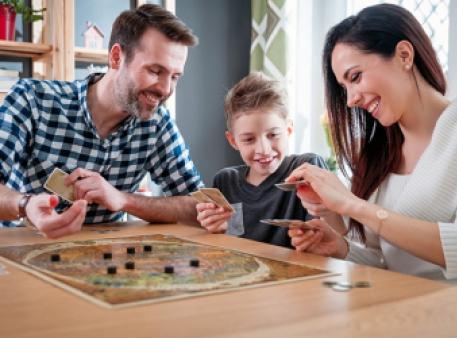Настільні ігри як спосіб зміцнення взаємин із дітьми