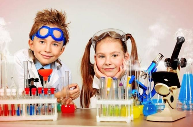 Набори для експериментів та творчості