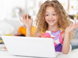 Як допомогти дитині зберігати дружбу на відстані