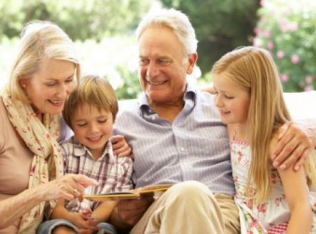 Як згуртувати бабусь, дідусів і онуків