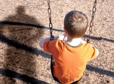 Як навчити дитину бути обережною