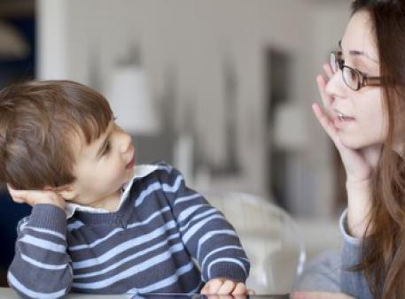 Як навчити малюка усвідомлено вибачатися