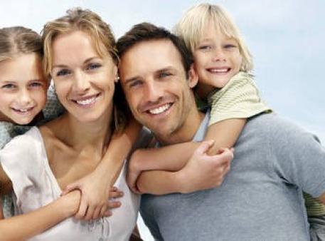 Приховані радощі материнства й батьківства