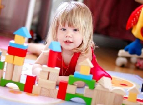 Як вибрати корисну навчальну іграшку