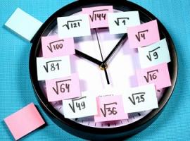 Аналоговий годинник з нагадуванням