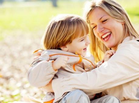 Як навчити дітей слухати та слухатись