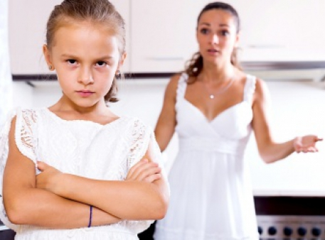 Дитина проявляє зухвалість: поради батькам