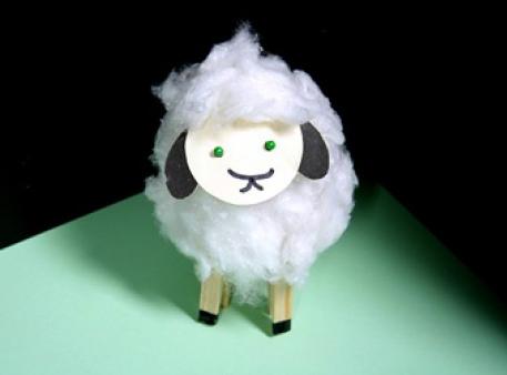 Як зробити овечку з паперового стаканчика