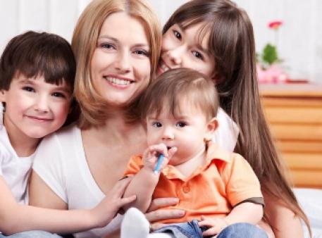 Як уберегти дітей від емоційних травм