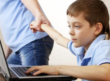 Боремося з комп'ютерною залежністю дітей