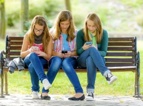Мобільна залежність у підлітковому віці