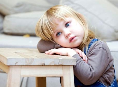 Як допомогти дитині, яка страждає на аутизм