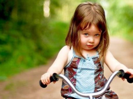 Як допомогти дітям подолати сором'язливість