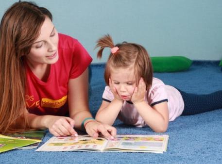 Як допомогти дитині навчитись читати англійською