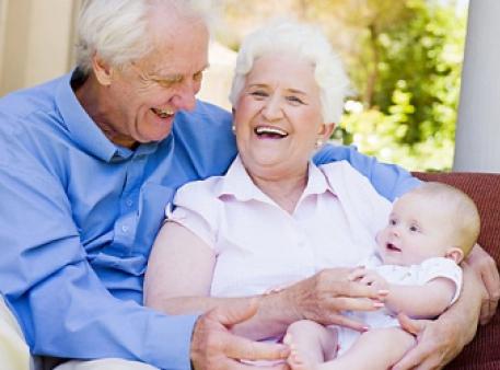 Уроки догляду за дітьми для бабусь і дідусів