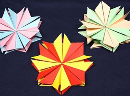 Саморобні квіти із паперових елементів
