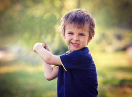 Дошкільник б'ється: новий погляд на проблему