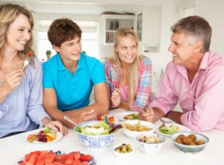 Сімейна вечеря покращує поведінку підлітків