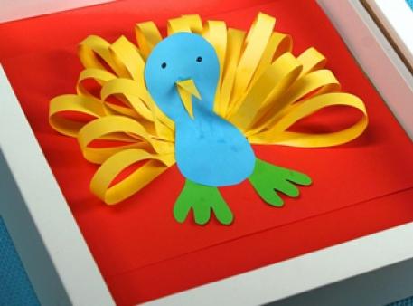 Павич: об'ємна аплікація для дитячої творчості
