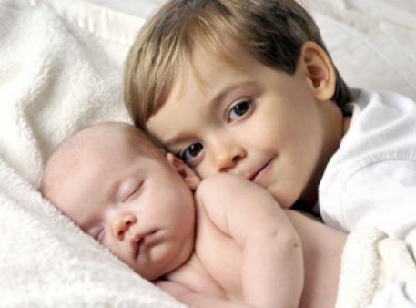 Як підтримати дитину, коли народжується друга