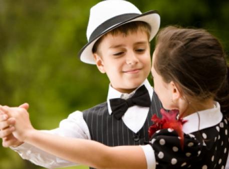 Навчаймо дитину гарних манер із дитинства