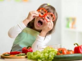 Як прищепити звички здорового харчування дитині