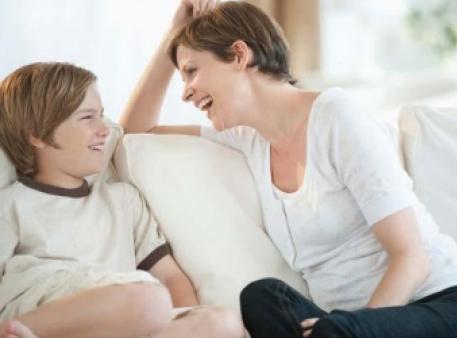Як установити емоційний зв'язок із підлітком