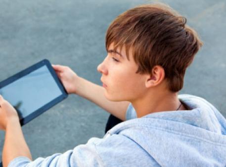 Вплив ґаджетів на благополуччя підлітків