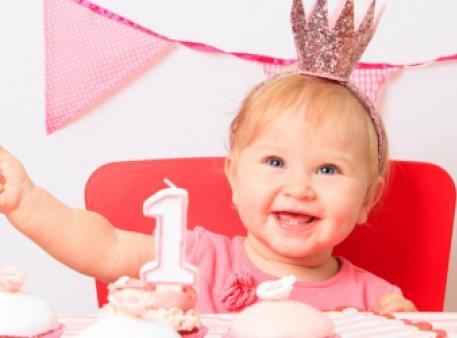 1 рік: основні показники розвитку дитини