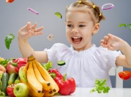 Які продукти мають бути у щоденному раціоні школярів