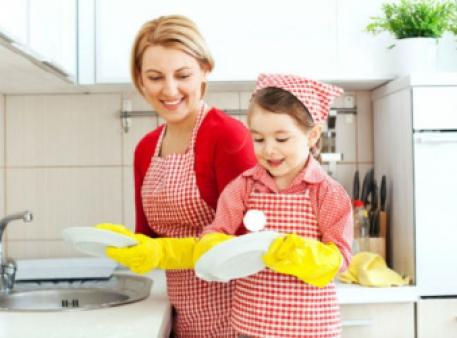 Домашні обов'язки, з якими впорається дитина