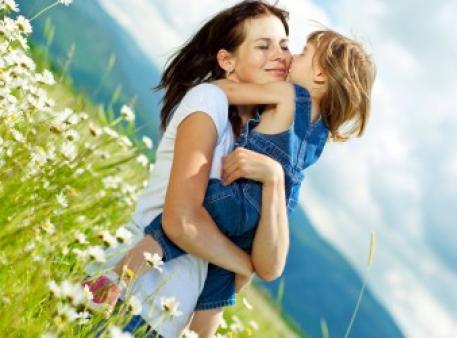 Як переконливо проявляти любов до своїх дітей
