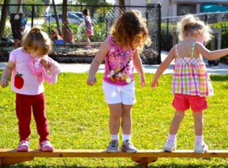 Розвиток у дітей рівноваги та координації