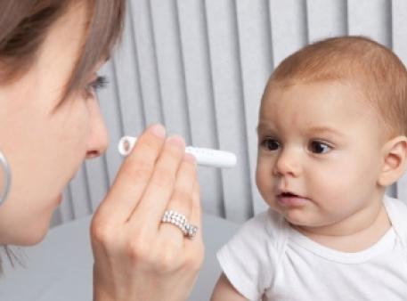 Коли діти вчаться бачити: 5 стадій розвитку зору