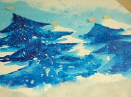 Акварельні ялинки — зимова аплікація для дітей