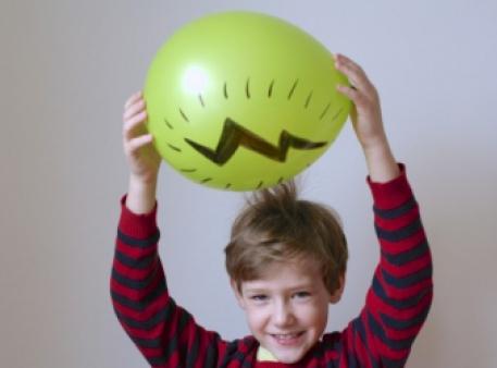 Трюки зі статичною електрикою і повітряними кулями