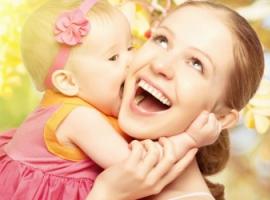 Як батькам навчити дитину виявляти любов