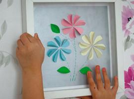 Найпростіша аплікація з квітами для дітей