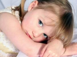Чи припустимо для батьків шльопати дитину?