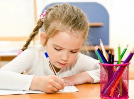 Як допомогти дитині написати оповідання