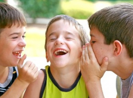 Як допомогти дитині розвивати навички спілкування