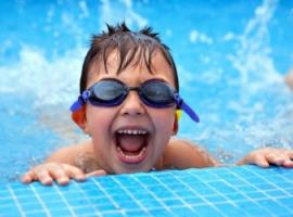 Раннє навчання плаванню: переваги