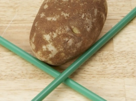 Проколювання картоплі соломинкою