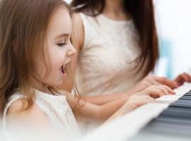 Музика важлива для розвитку і взаємовідносин дитини