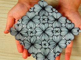 Створюємо симетричний візерунок з квітами
