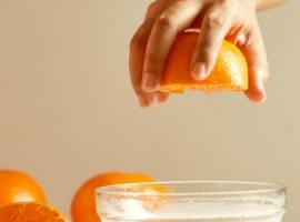 Гравітація та об'єкти: тест на падаючий апельсин