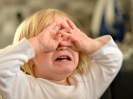 Жорстоке ставлення шкодить розвитку дитини