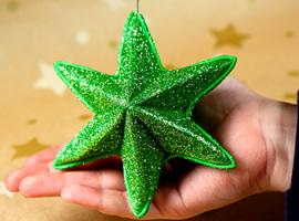 Шестикінечна блискуча зірка з фоамірану